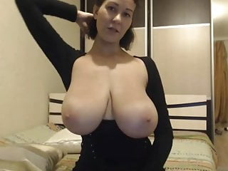 Gorgeous huge-boobed cougar