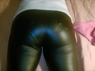 Bootie in leather trousers