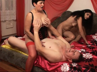 A group fuck with four mature amateurs