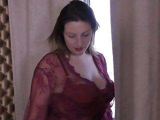 Bodacious brit housewife toying in their way cunt
