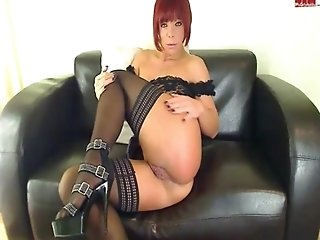 My roomates slutty aunt shoves a big dildo in her mature asshole - b-dussy.com