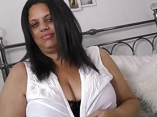 Large UK mature mommy goddess Rachel with unbelievable assets