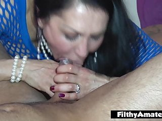 2 real divorcee cougars have joy with double penetration and swallowing jism