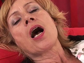 A hairy mature woman wants a cock