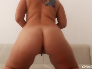 Phat ass white girl have fun her snatch and donk!