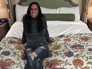 Freshly Divorced Sexy Brunette MILF does her first porn