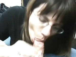 Boss gets a Christmas Blowjob