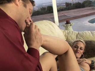 Horny pussy of mature babe gets incredible cock insertions