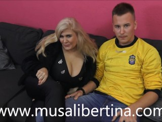 Porn casting: MILF fucks about pubescent caitiff public schoolmate at the end of one's tether Musa Libertina