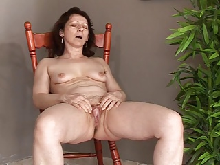 Mature with small saggy tits makes herself cum and squirt
